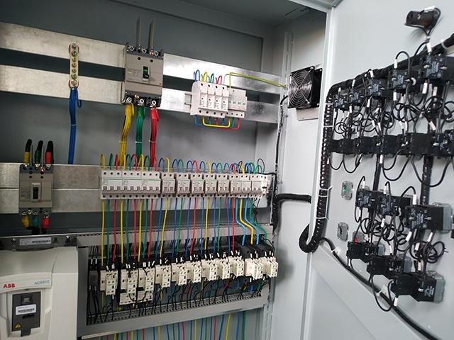 电控柜系统